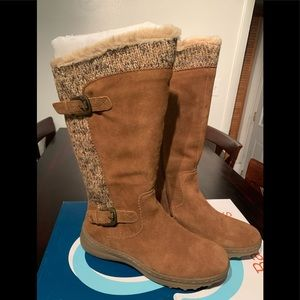 Brand New Baretraps winter boots